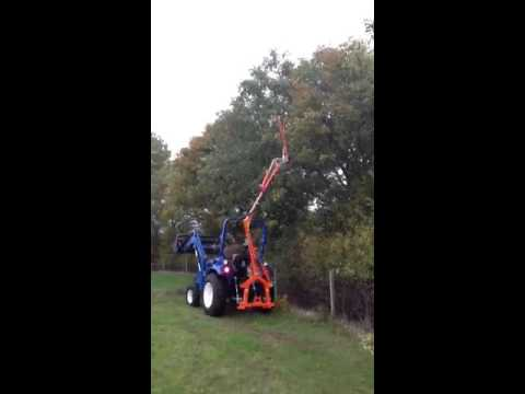 Trimming tall hedges and trees with Landlegend tractor and