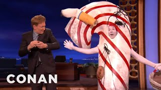 The Candy Cane That Briefly Fell On The Ground is back to celebrate the holiday season right. More CONAN @ http://teamcoco.com/video  Team Coco is the official YouTube channel of late night host Conan O