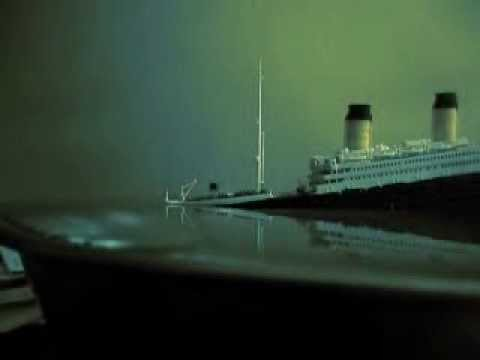 Sinking Titanic (from side view)
