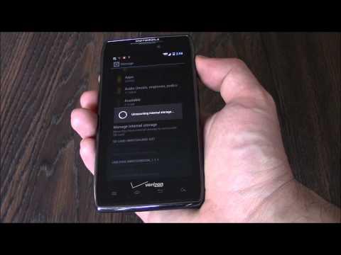 How To Wipe The Data On A Motorola Droid Razr Maxx XT912 Smartphone