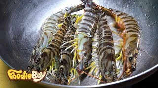 Download Kuruma Shrimp / Korean Street Food / Food Cart Village, Busan Korea Video