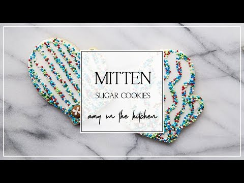 How to Decorate Mitten Sugar Cookies with Sprinkles