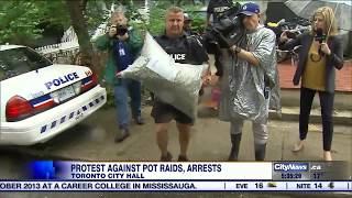 Marc and Jodie Emery hold protest on anniversary on pot shop raids