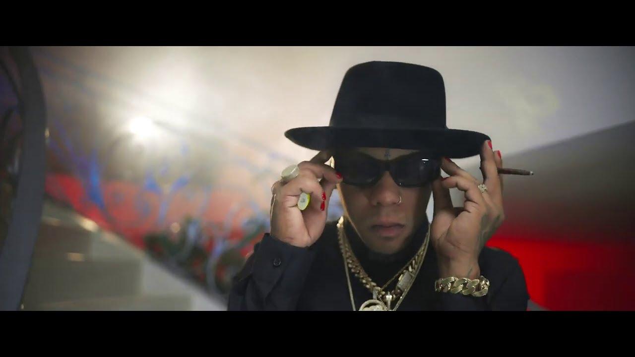 Yomel El Meloso - Atento A La Parita (Video Official)