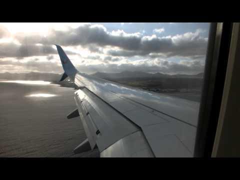 Thomson Boeing 737-800 landing at Arrecife, Lanzarote 19/4/2015
