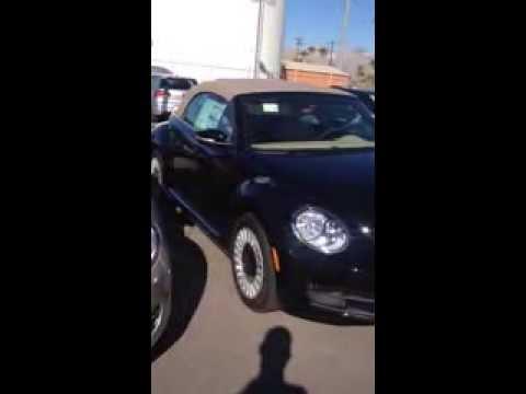 V10840 - 2013 Black/Beige Beetle Convertible