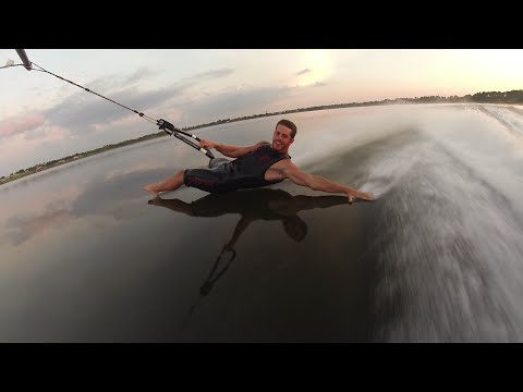 Barefoot Waterskiing Freestyle Craziness