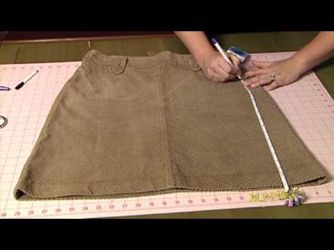How to Turn Old Clothes into Wine or Gift Bags For Dummies