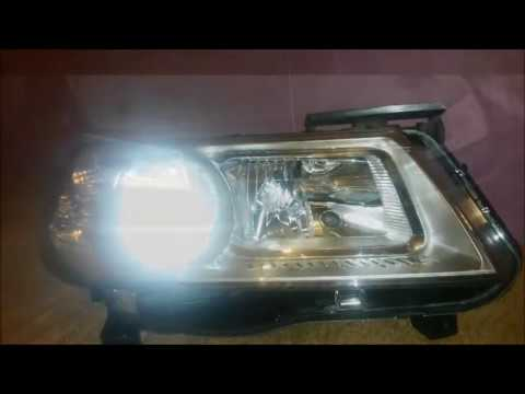Replace the Headlight bulb, high beam, blinkers and parking lights on Renault Megane 2