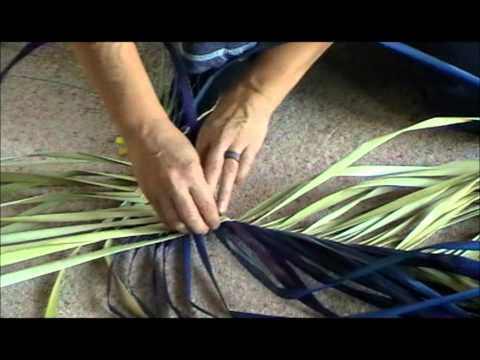 How to make a Pikau (Backpack) from Harakeke/NZ Flax (Phormium)