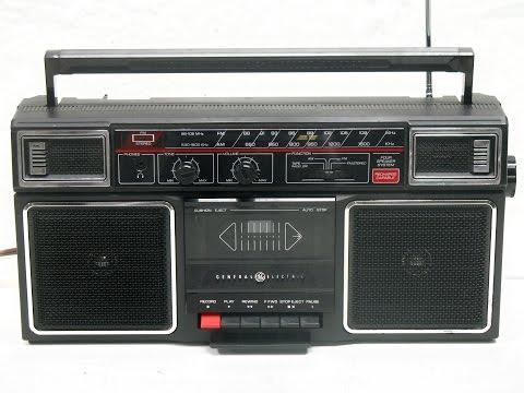 Vtg. GENERAL ELECTRIC 3-5452-A BOOMBOX/Ghetto-Blaster AM-FM Radio/Cassette