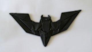 Origami: Batman Batarang ( Jeremy Shafer )