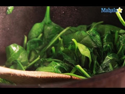 How to Make Simple Sauteed Spinach