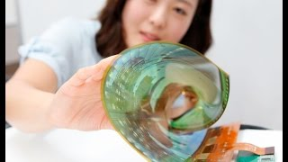 """LG Rollable P-OLED Display """"30R"""" at CES 2016"""