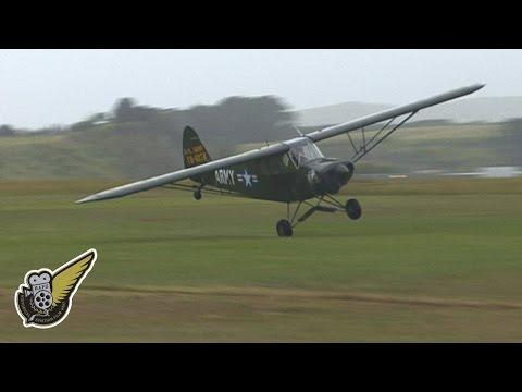 Piper Super Cub - Crazy Flying At CoTS Airshow