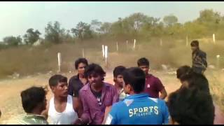 Desi indian fighting || India village fighting || best fight ever || all beating one || blood ||