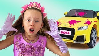 Alice Playing Car Wash with Cleaning Toys