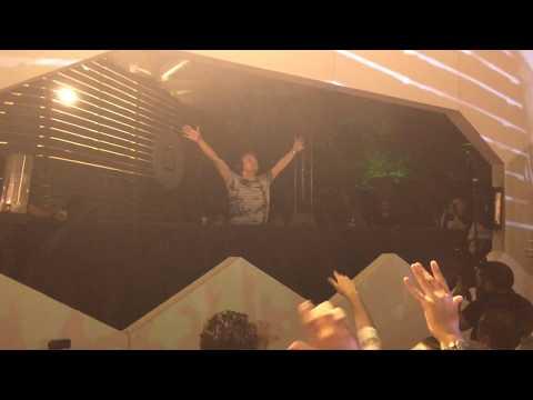 Davey Asprey - Fallout (Armin van Buuren mashup) [LIVE]