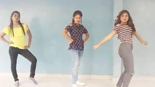 Hot- romantic dance by - Delhi girls