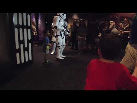 Disney - Lisa meets Storm Troopers