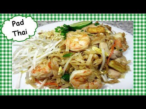 How To Make Best Classic Pad Thai ~ Chicken Shrimp Pad Thai Stir Fry Recipe