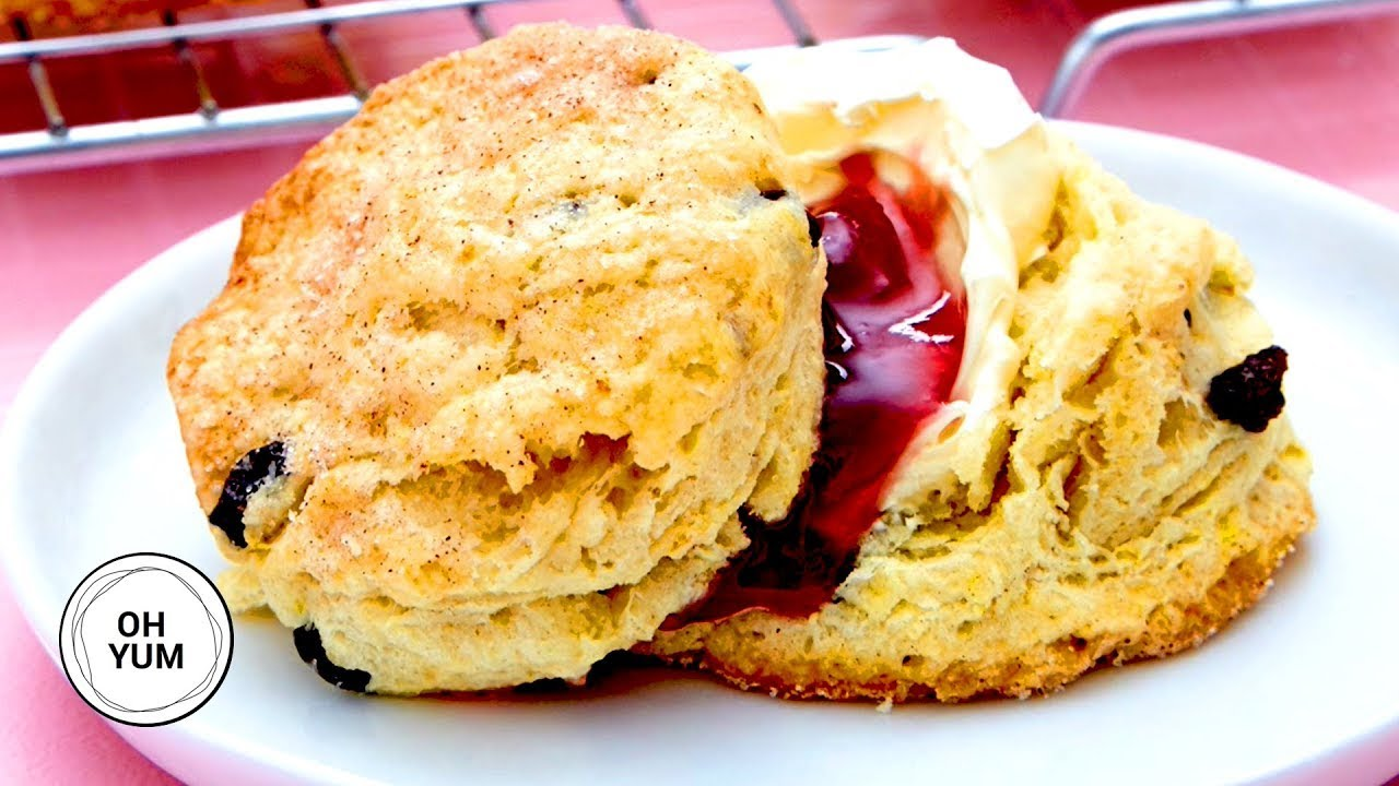 Professional Baker Teaches You How To Make CITRUS SCONES!