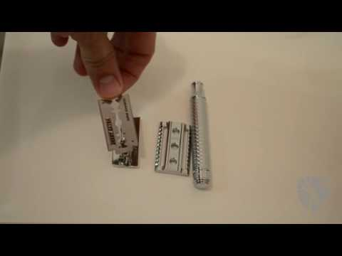 Changing the blade on your safety razor