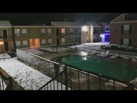WHAT?!? Snow in College Station TX (12/8/17)