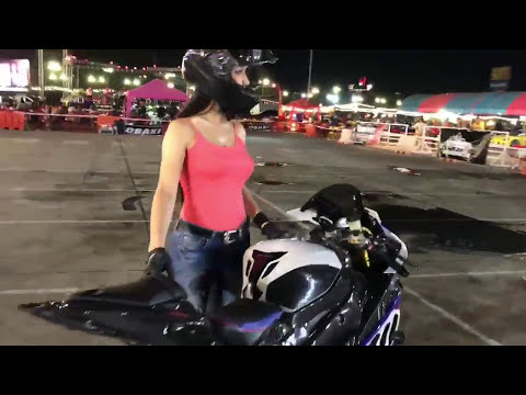 GIRLS ON motorcycle  | BMW1000RR | BURN OUT | BIKE STUNT | GIRL BIKE STUNT