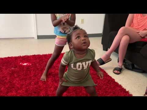 baby shark remix dance battle - FunClipTV
