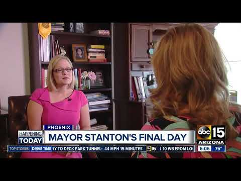 Phoenix Mayor Stanton to step down