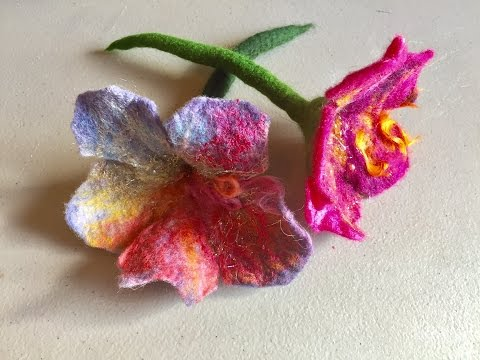 Wet Felted Trumpet Flower Tutorial