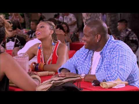 Tamar & Vince: Buffet Luau