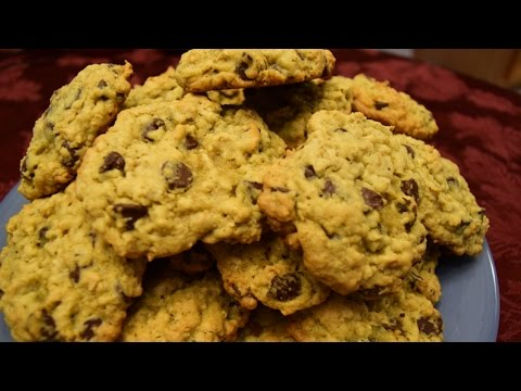 The BEST Oatmeal Chocolate Chip Cookies (Recipe)