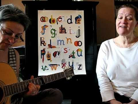 The Easiest And Most Fun Way To Learn The Alphabet Use Phonics And Sing The Little Letters