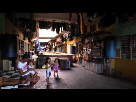 Recycling Profits the Poor in Philippines
