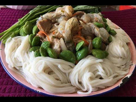 How to make papaya salad with noodles (LAO FOOD) Home Made By Kaysone