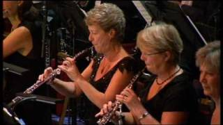 Lawrence of Arabia title theme (live) - The BBC Concert Orchestra (dir. John Wilson)