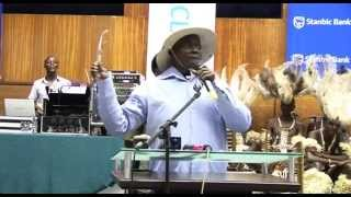 Mendo A.K.A Museveni suffocates Ugandan Bankers with Laughter.