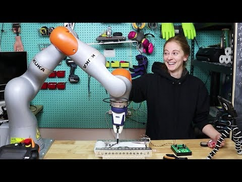 I made 2000 ugly holiday cards with a $100k robot arm