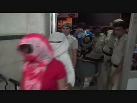Xxx Mp4 Live Video Of Police Raid In Massage Center And Caught Girls And Boys Doing Wrong In India 3gp Sex