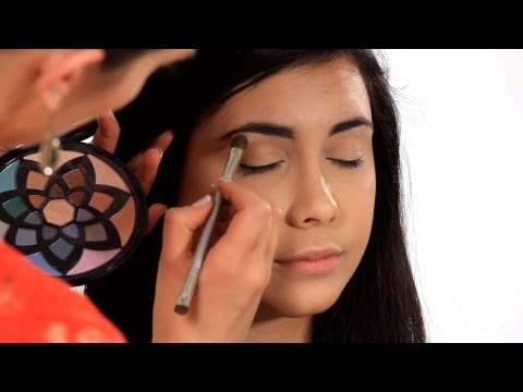 How to Make Your Eyes Look Bigger | Makeup Tricks