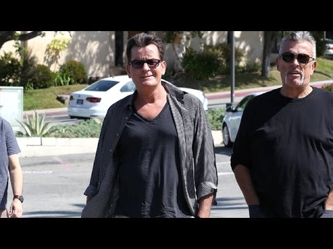 Charlie Sheen Looking Healthy Despite Being Hiv Positive