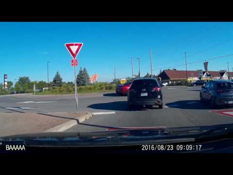 Ottawa Canada - How not to enter roundabout