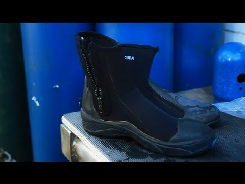How to Get the Smell Out of Scuba Diving Boots : Scuba Diving Boots