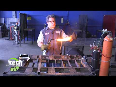 How to properly use an oxygen acetylene torch for cutting