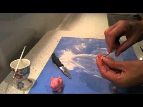 How to make a fondant pig