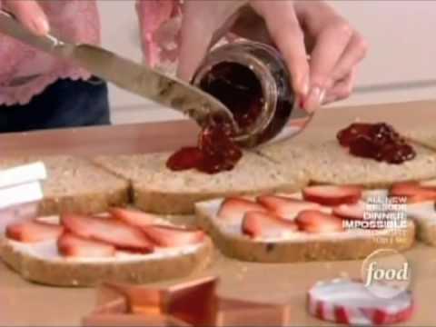 Sandra Lee - Nutty Star Sandwiches