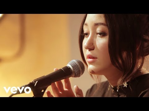Noah Cyrus - Make Me (Cry) (Live - Vevo Exclusive)
