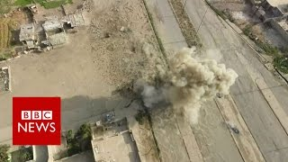 Inside the street battles for Mosul - BBC News